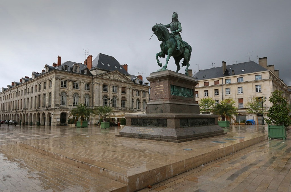 Orléans est une ville qui attire les travailleurs parisiens.